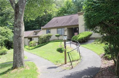 Southbury Condo/Townhouse For Sale: 690 Heritage Village #B