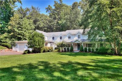 Darien Single Family Home For Sale: 55 Arrowhead Way