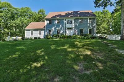 Weston Single Family Home For Sale: 30 Oak Lane