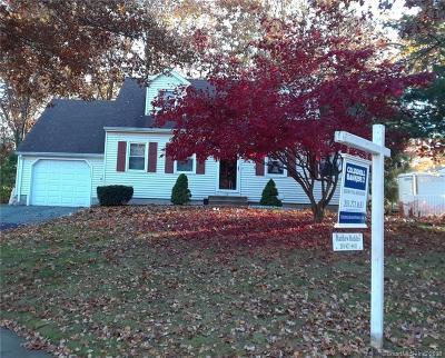 Meriden Single Family Home For Sale: 19 Courtney Court