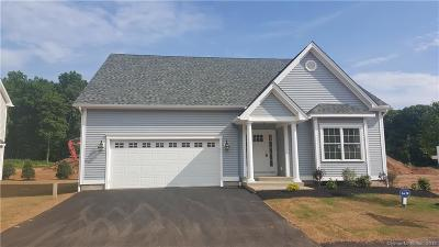 Southington Single Family Home For Sale: 98 Hillcrest Drive