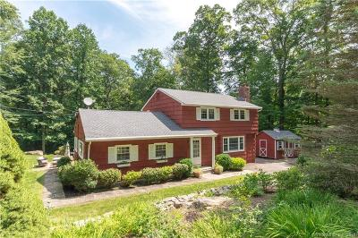 Ridgefield Single Family Home For Sale: 107 Flat Rock Drive