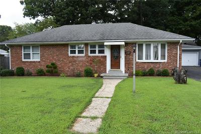 Bridgeport Single Family Home For Sale: 121 Marilyn Drive