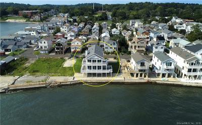 Milford Single Family Home For Sale: 15 Point Beach Drive