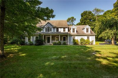 Southbury Single Family Home For Sale: 184 Hunters Ridge Road