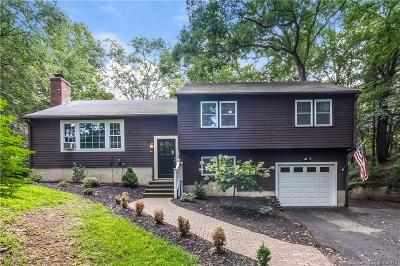 Guilford Single Family Home For Sale: 43 Grist Mill Circle