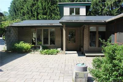 Harwinton Single Family Home For Sale: 32 Clearview Avenue
