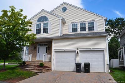 Farmington Single Family Home For Sale: 1 Kelso Way