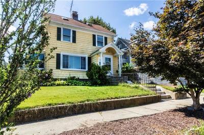 Bridgeport Single Family Home For Sale: 55 Durando Place