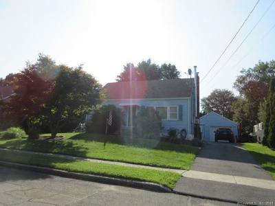 Milford CT Single Family Home For Sale: $270,000