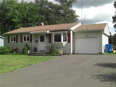 Plainville Single Family Home For Sale: 49 Parkside Drive
