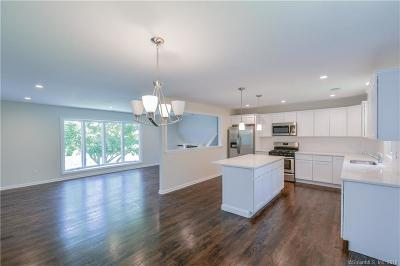 East Haven Single Family Home For Sale: 58 South Street
