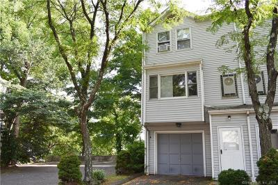 Meriden Condo/Townhouse Show: 929 North Colony Road #6