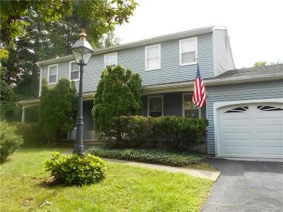 Southington Single Family Home For Sale: 75 Sunset Ridge Drive
