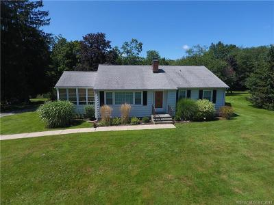 NEWTOWN Single Family Home For Sale: 14 Taunton Lake Drive