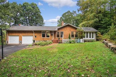 Redding Single Family Home For Sale: 27 Deer Hill Road