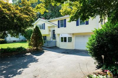 Bristol Single Family Home For Sale: 70 Orleans Drive