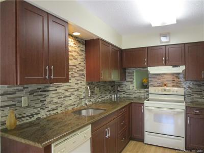Shelton Condo/Townhouse For Sale: 34 Cherry Blossom Lane #34