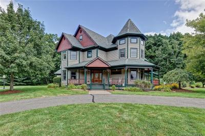 Wallingford Single Family Home For Sale: 17 Chestnut Lane