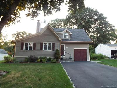 Trumbull Single Family Home For Sale: 147 Deerfield Drive