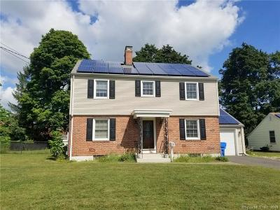 Plainville Single Family Home For Sale: 3 Hillscrest Road
