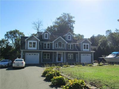 Naugatuck Single Family Home For Sale: 30 Fairfield Court