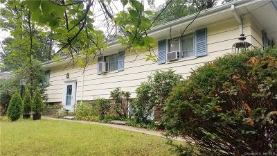 Stratford Single Family Home For Sale: 215 Twin Oaks Terrace