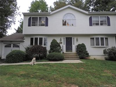 Fairfield Single Family Home For Sale: 28 Suzanne Circle