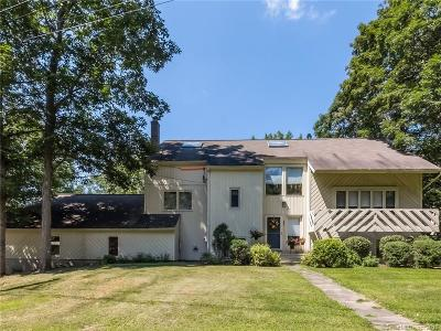 New Haven County Single Family Home For Sale: 122 Talcott Road