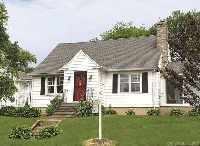 Fairfield Single Family Home For Sale: 18 Meadowcroft Road
