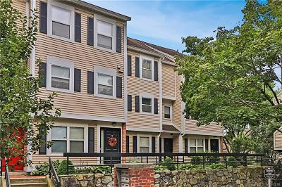 Stamford Condo/Townhouse For Sale: 73 Highland Road #73