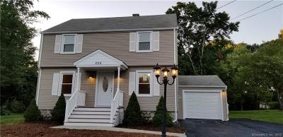 Wolcott CT Single Family Home For Sale: $260,000
