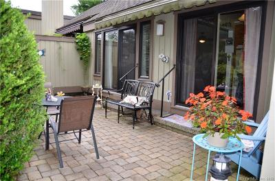 Southbury Condo/Townhouse For Sale: 15 Heritage Circle #A
