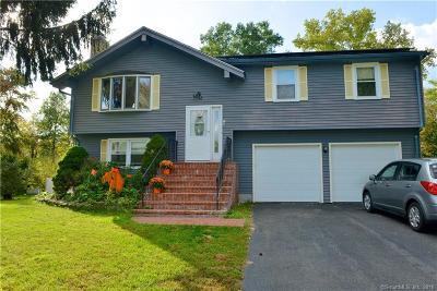 Newington Single Family Home For Sale: 19 Bridle Path