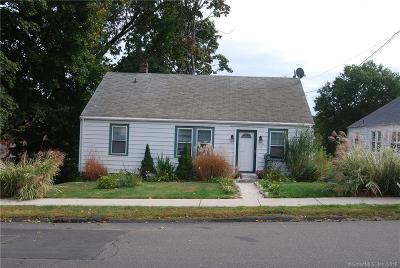 West Haven Single Family Home For Sale: 18 Magnolia Avenue