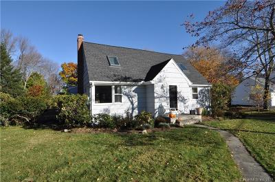 Ridgefield Single Family Home For Sale: 66 Soundview Road