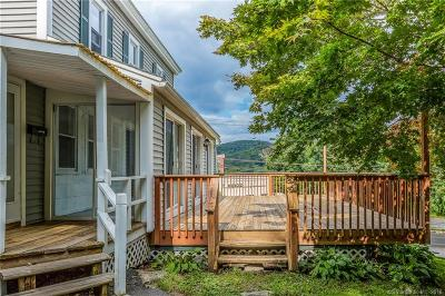 Winchester Single Family Home For Sale: 85 Lake Street