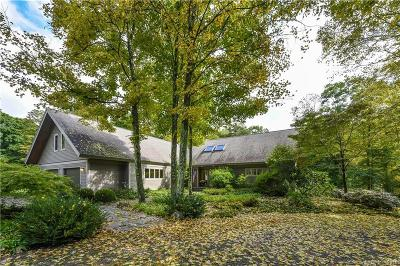 North Branford CT Single Family Home For Sale: $422,200