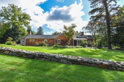 Farmington Single Family Home For Sale: 25 Hatters Lane