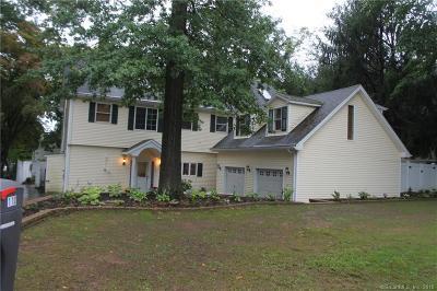 Hamden Single Family Home For Sale: 110 Sleeping Giant Drive