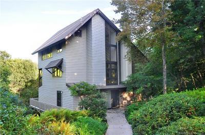 Burlington Single Family Home For Sale: 154 Town Line Road