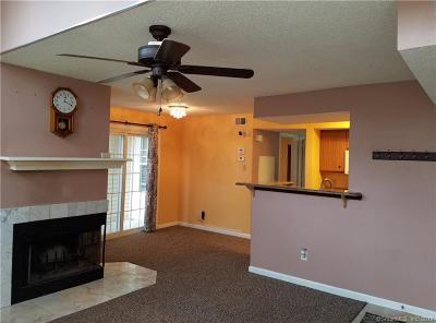 Middletown Condo/Townhouse For Sale: 312 Carriage Crossing Lane #312