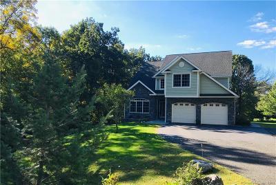 Naugatuck Single Family Home For Sale: 41 Woodland Street