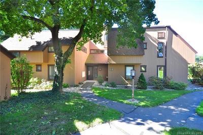 Farmington Condo/Townhouse For Sale: 58 Mallard Drive #58