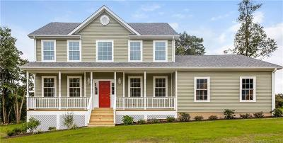 New Milford Single Family Home For Sale: 75 Hawthorne Lane