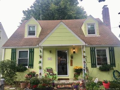 Norwalk Single Family Home For Sale: 15 Victory Court