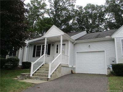 Windsor Locks Condo/Townhouse For Sale: 17 Glenbrook Drive #17