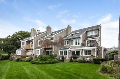 Guilford Condo/Townhouse For Sale: 80 Seaview Terrace #11
