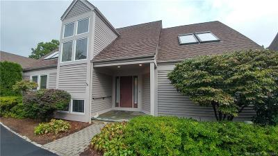Norwalk Condo/Townhouse For Sale: 230 New Canaan Avenue #26