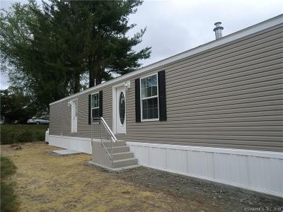 Danbury Single Family Home For Sale: 46 Kenosia Avenue #27